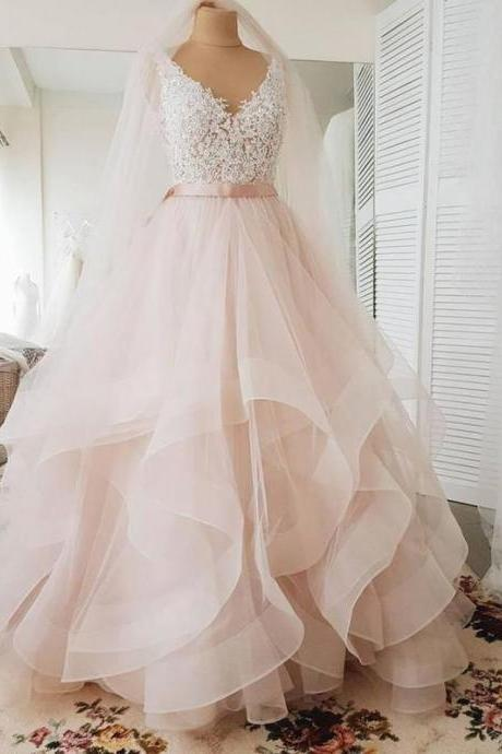 Exquisite V-Neck Beading Cap Sleeve Princess Ball Gown Wedding Dresses Low V-Back 2020 Wedding Dresses Trends Tiered Skirts vestido de noiva